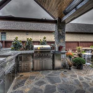 008_Outdoor Kitchen